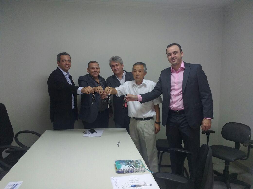 Procurador Geral Dr. Juraci Jorge da Silva, entrega as chaves aos representantes das coordenadorias.